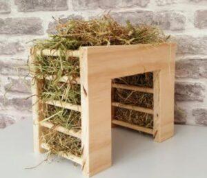 diy guinea pig hay feeder
